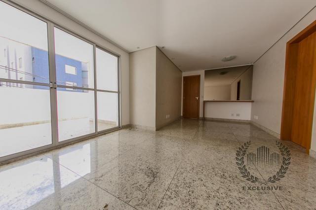 Ótima área privativa de 03 quartos à venda no buritis
