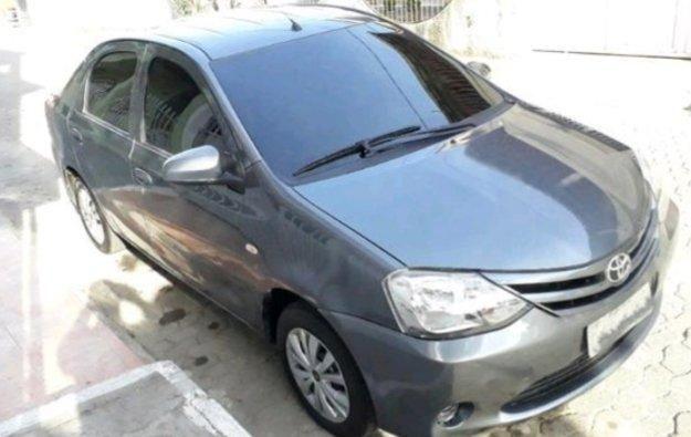 Toyota Etios Sedan 1.5X 14/15 Completo c/ GNV G5 - Foto 2