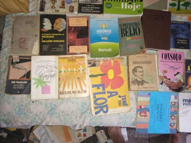 33 livros ...preço oportunidy imperd...  - Foto 4