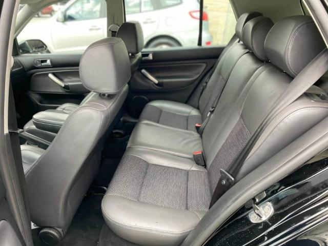Volkswagen Golf Black Edition  - Foto 11