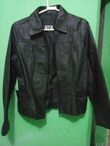 Jaqueta de couro legítimo. Tamanho P - Foto 5