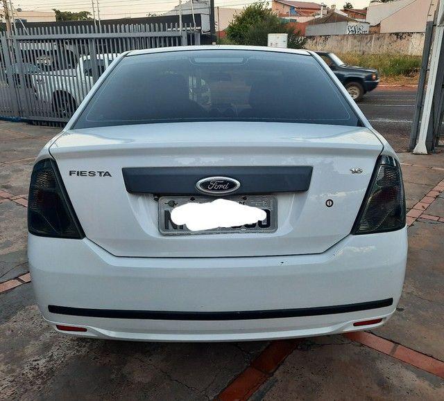 Fiesta sedan 1.6 10/11 - Foto 4