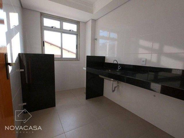 Apartamento com 3 dormitórios à venda, 56 m² por R$ 300.000,00 - Candelária - Belo Horizon - Foto 9