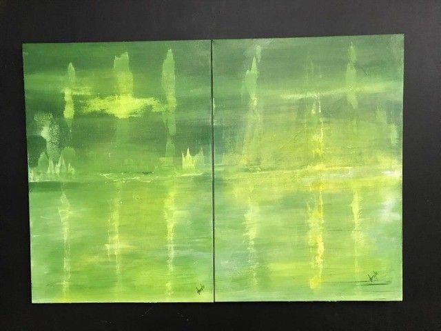 Tela em acrílico . Tema : abstrato em tons de verde