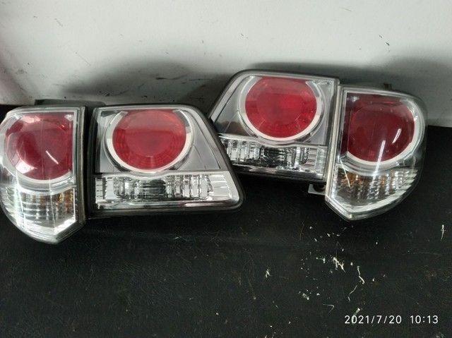 Lanterna traseira Toyota Hilux  sw4