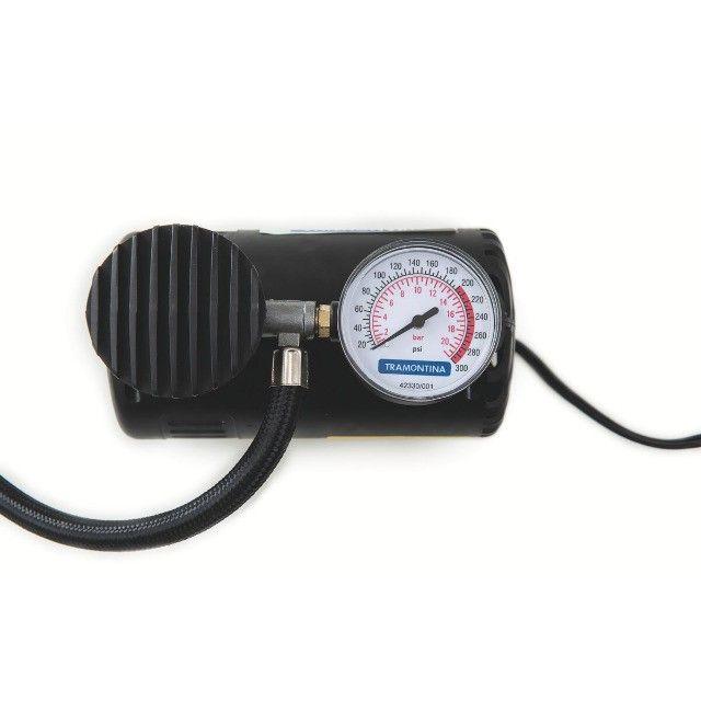 Compressor de Ar Portátil Tramontina 12V para Carros 300 psi 50W - Foto 3