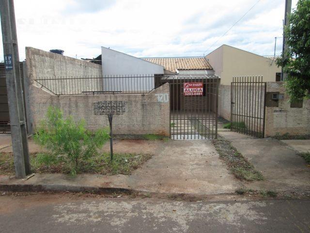Casa localizada na rua manuel da silveira, 720 jd. guaiaracá