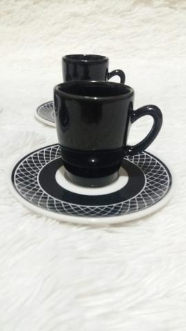 Jogo de 4 xícaras de café + pires. Novo - Foto 2