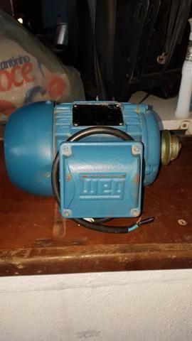 Vendo este motor trifásico por 450.00 reais contato * - Foto 5