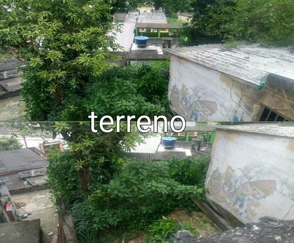 Terreno com 3 casas - Foto 8