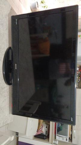 """TV LCD 40"""" SEMP com defeito"""