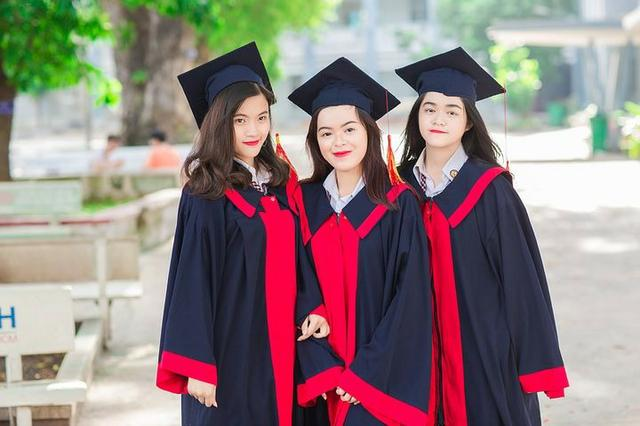 Assessoria em Trabalhos Acadêmicos - 2 0 1 9 - 20 Anos - Foto 2