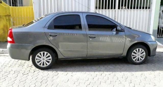 Toyota Etios Sedan 1.5X 14/15 Completo c/ GNV G5 - Foto 4