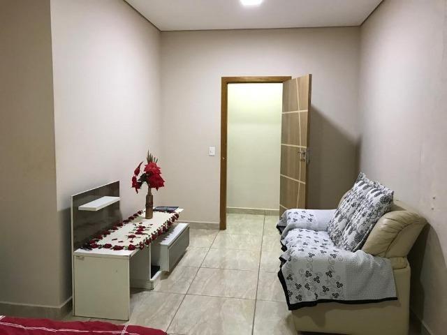 Excelente Casa, 3 Qts Sendo 1 Suíte, Laje, Cerâmica, Lazer no Piso Superior! - Foto 14