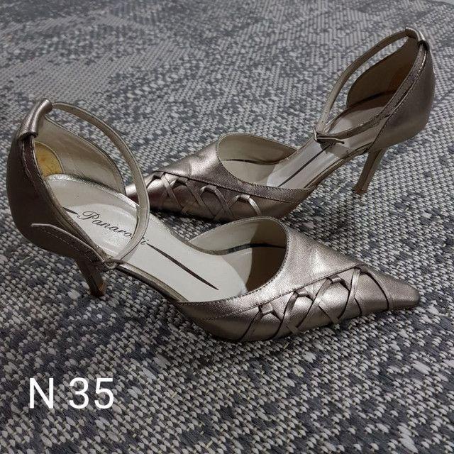 Sapatos e Botas femininos scarpin - Foto 2
