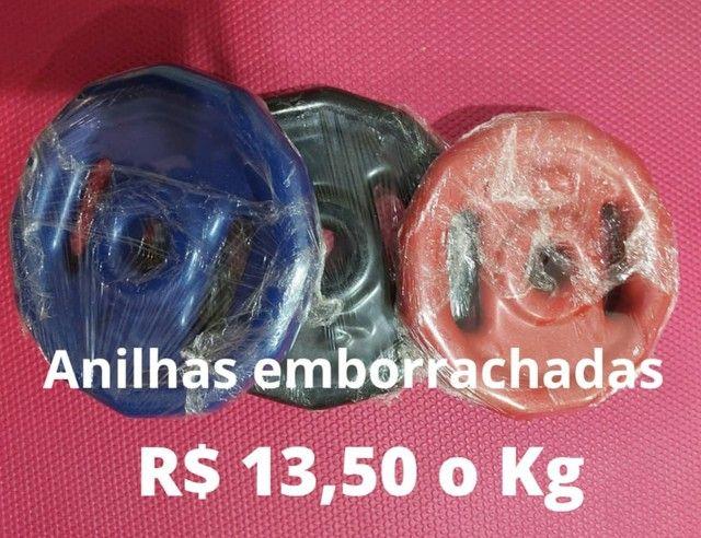Alteres, anilhas emborrachadas e ketteball. 13,50 Kg - Foto 4