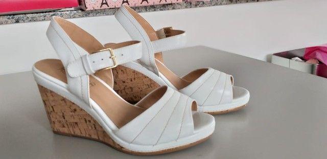 Lote de sapatos femininos 36/37 semi novos  - Foto 3