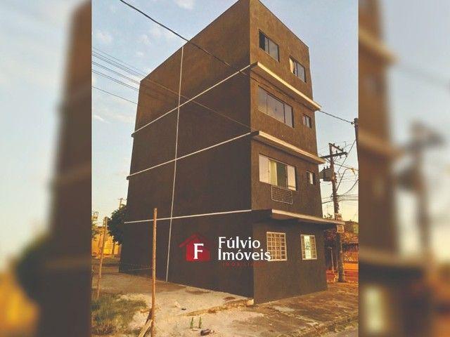 Prédio Reformado com 4 Apartamentos em Samambaia Sul. - Foto 2