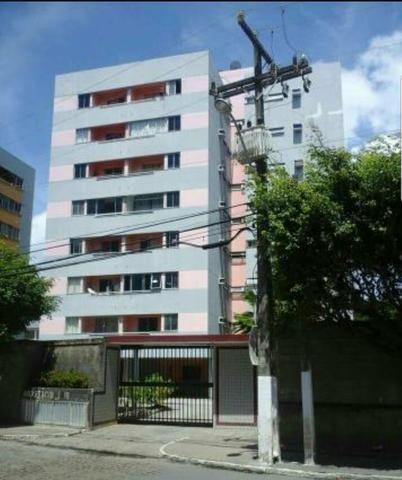 Apartamento no Ed. Anastácio I - Jardim Vaticano