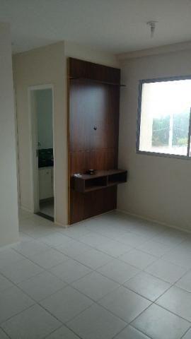 Ótimo e barato apartamento Vale da Lagoa com armários