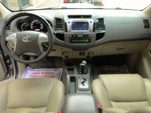 Toyota SW4 7 lugares top nova revisada