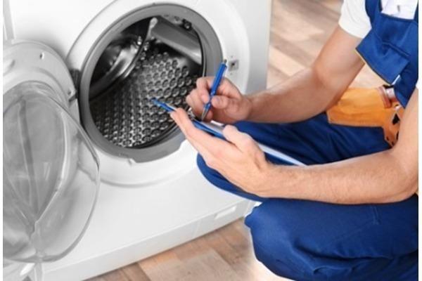 Manuntenção em máquina de lavar
