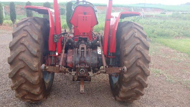 Trator MF 250 com implementos - Foto 2
