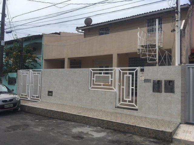 Casa 2/4 boa para escritório/ Itapuã 1o andar com entrada independente
