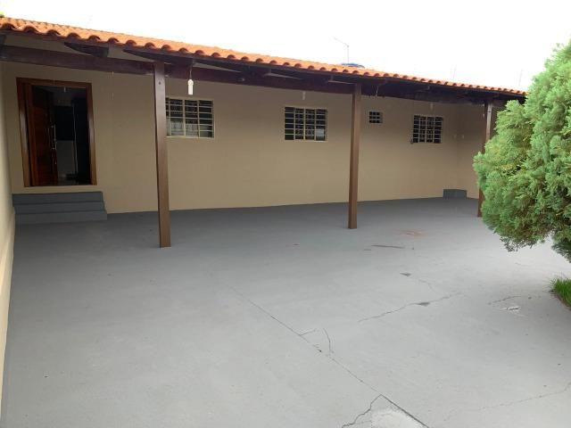 Casa Belissima otima Localização 2 qts, 4 garagem prox shoping Passeio das Aguas - Foto 12
