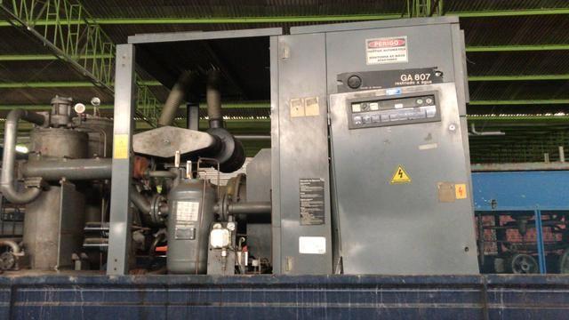 Compressor parafuso modelo GA807