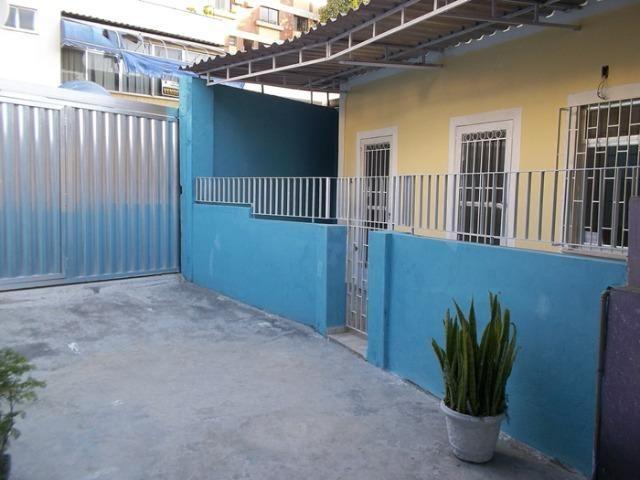 Casa de 2 quartos no Centro de Nova Iguaçu, próximo a praça do skate