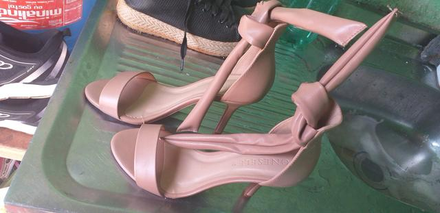 Sapato usado apenas 1 vez
