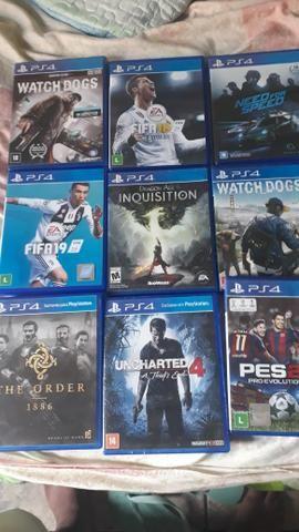 Vendo jogos top do play 4