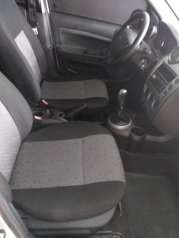 Fiesta Hatch 1.0 é Na World Car - Foto 9