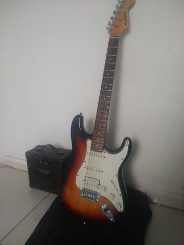 Guitarra com cubo é case