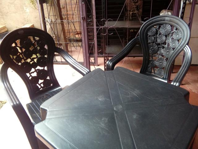 Jogo de mesa 4 cadeiras - Foto 3