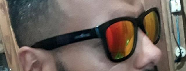 Óculos de sol NOVO   NUNCA USADO - Bijouterias, relógios e ... 30517a2156