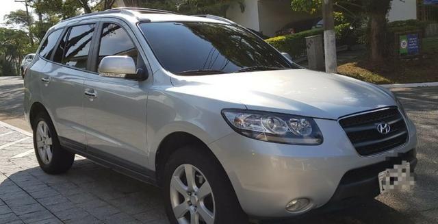 Hyundai Santa Fe - carro super conservado