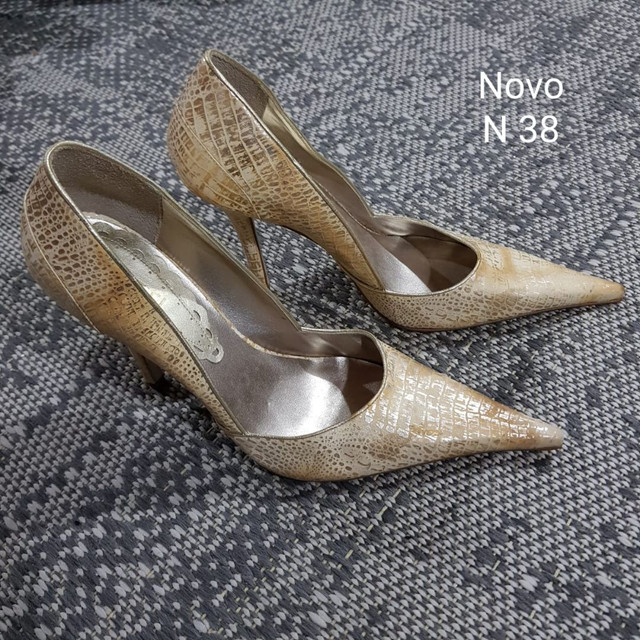 Sapatos e Botas femininos scarpin - Foto 4