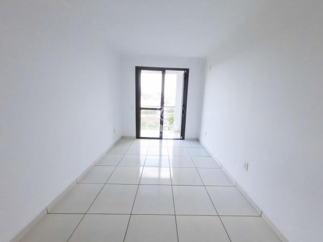 Apartamento 2 dormitórios com garagem e elevador. - Foto 10