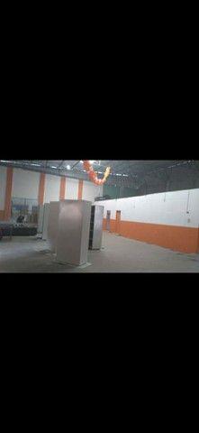 VEnDo Ou ALUGo  Galpão com 4 sala escritorio 4 banheiro quadra esportiva. - Foto 3