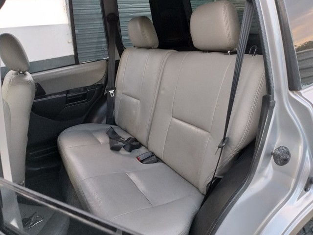 Mitsubishi Pajero TR4 2007 Câmbio manual e 4x4 - Nova demais  - Foto 11
