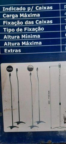 Par de Pedestais para Caixas Acústicas com Regulagem de Altura - SR11B<br><br>