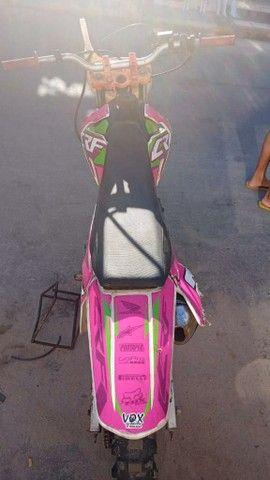 XR 200 com Roupa de CRF 230 - Foto 2