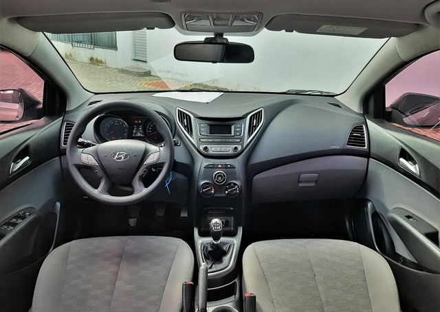 Hyundai Hb20S Comfort Plus 1.6 16V Flex - Foto 7