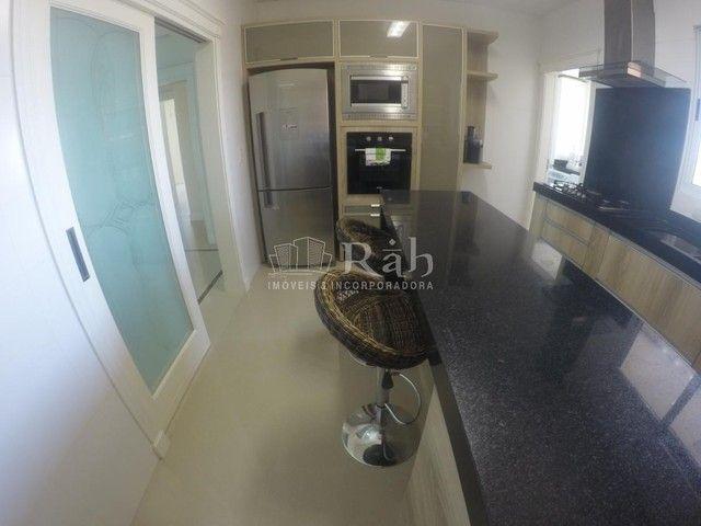 Apartamento a venda frente mar todo mobiliado no Edifício Beverly Hills na Barra Sul em Ba - Foto 3