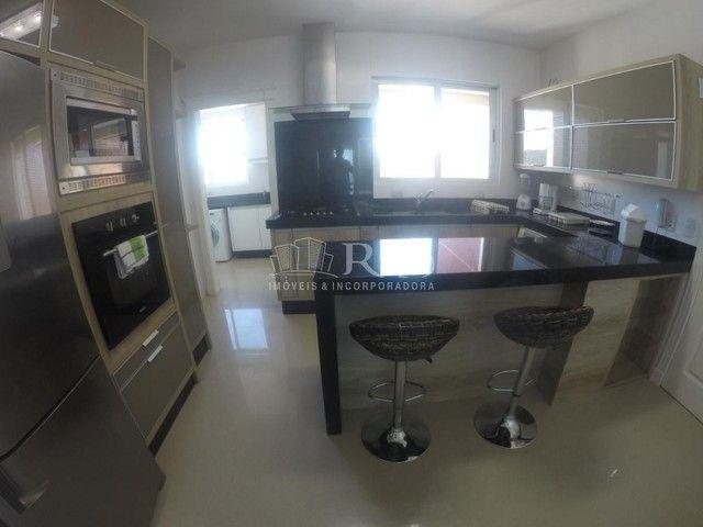 Apartamento a venda frente mar todo mobiliado no Edifício Beverly Hills na Barra Sul em Ba - Foto 13