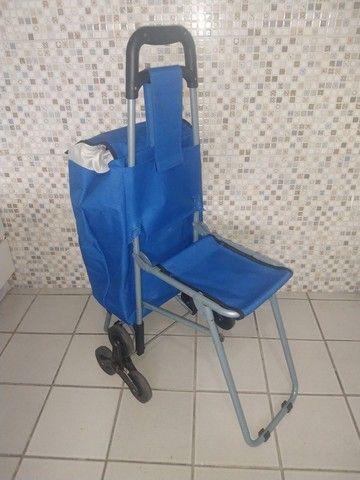 Exclusivo carrinho térmico com cadeira.