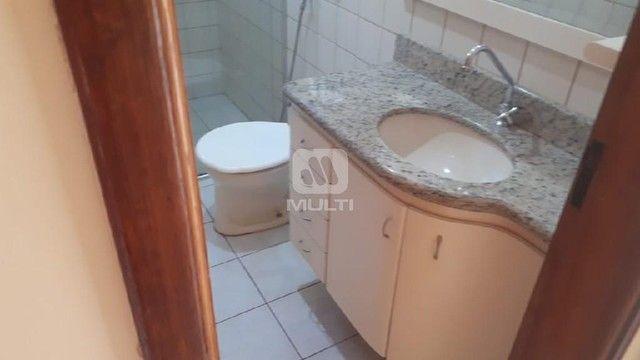 Apartamento para alugar com 3 dormitórios em Saraiva, Uberlândia cod:L13428 - Foto 9