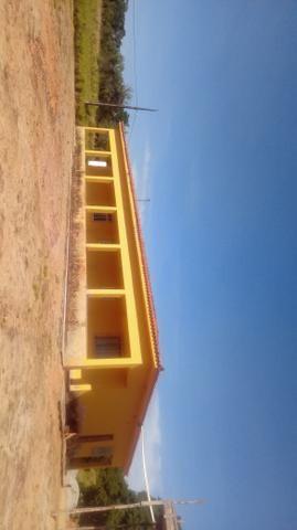 Vendo sítio em Araruama próximo a praia possui. 3 casas